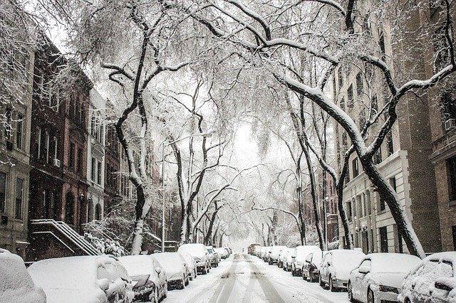 Wyzywania miast z opadami śniegu